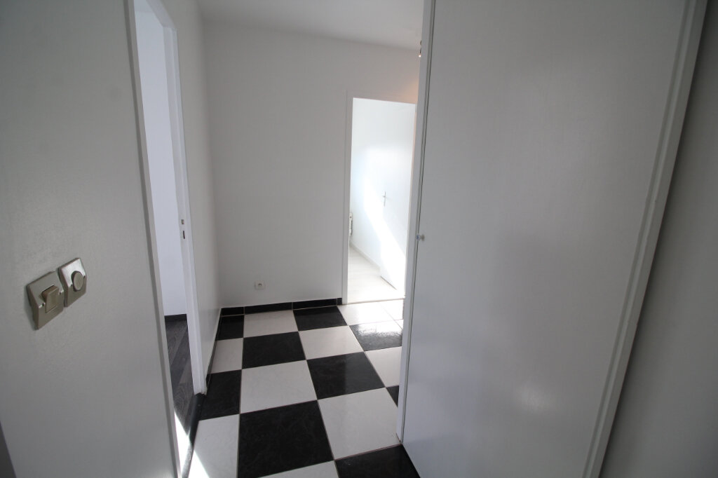 Appartement à vendre 3 58m2 à Trilbardou vignette-3