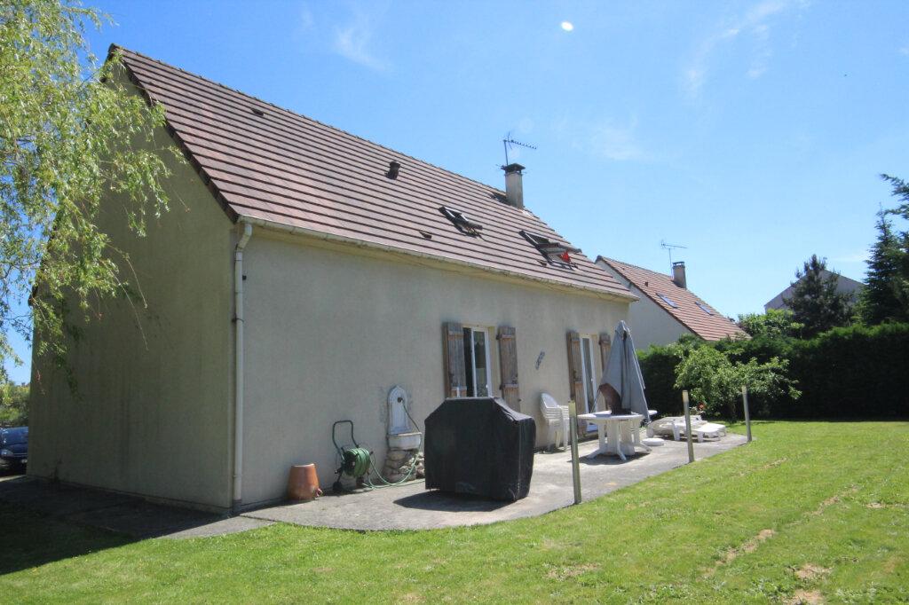 Maison à vendre 5 125m2 à Le Plessis-Belleville vignette-1