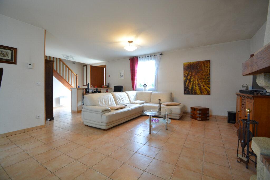 Maison à vendre 5 125m2 à Le Plessis-Belleville vignette-3