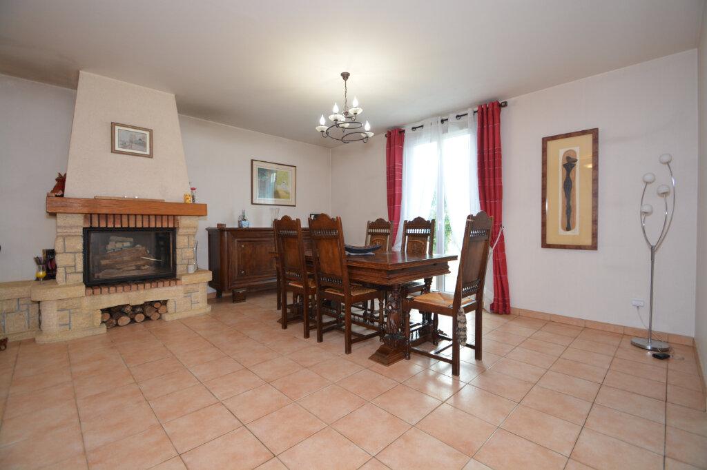 Maison à vendre 5 125m2 à Le Plessis-Belleville vignette-4