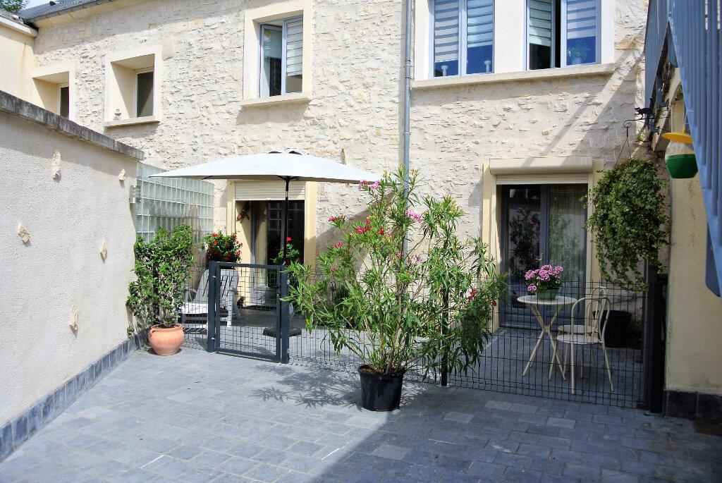 Appartement à vendre 1 30.4m2 à Senlis vignette-1