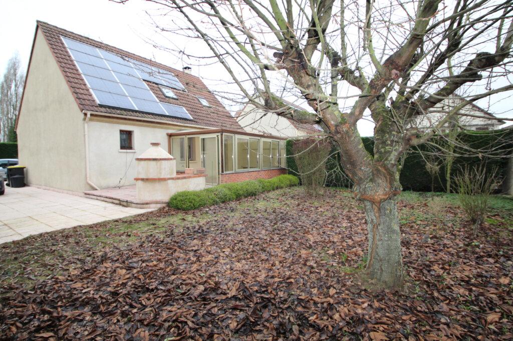Maison à vendre 5 130m2 à Le Plessis-Belleville vignette-1