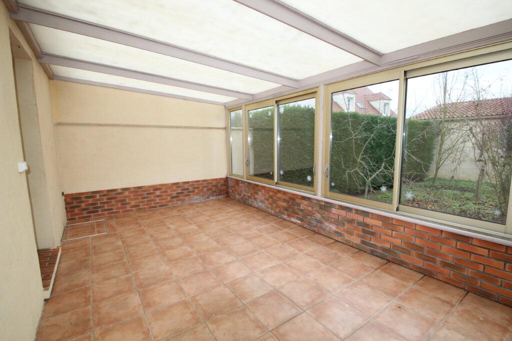 Maison à vendre 5 130m2 à Le Plessis-Belleville vignette-2