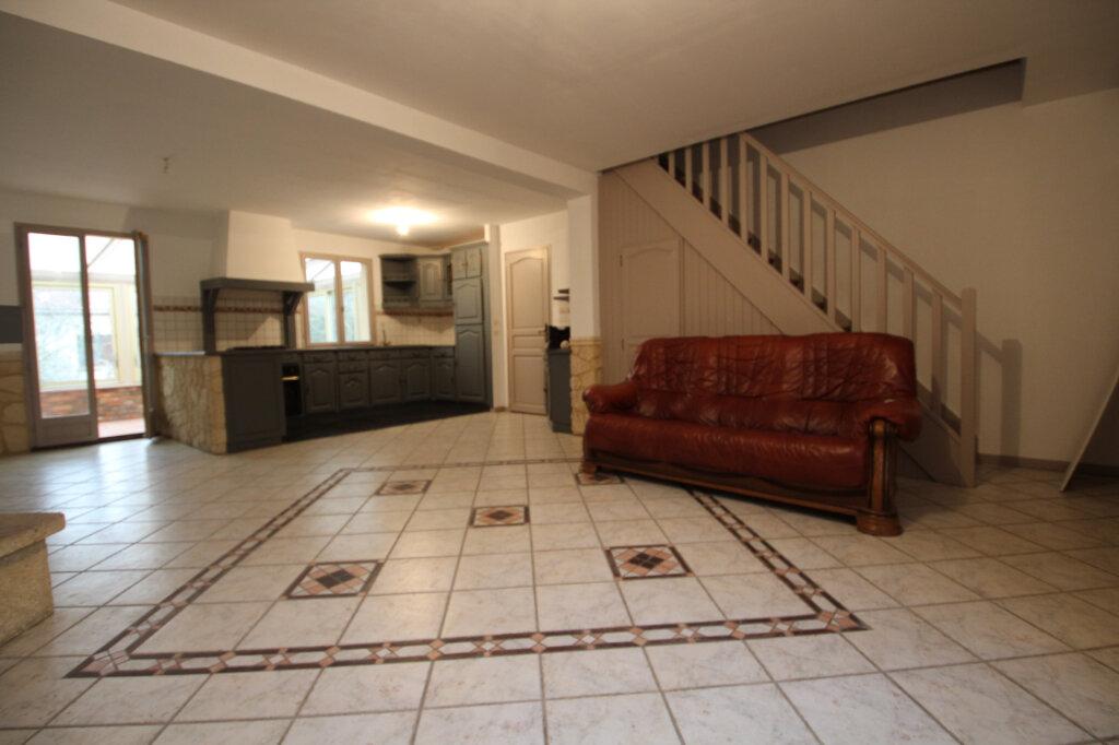 Maison à vendre 5 130m2 à Le Plessis-Belleville vignette-5