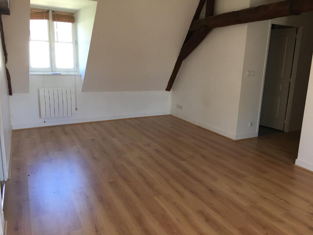 Appartement à louer 3 55.9m2 à Senlis vignette-2