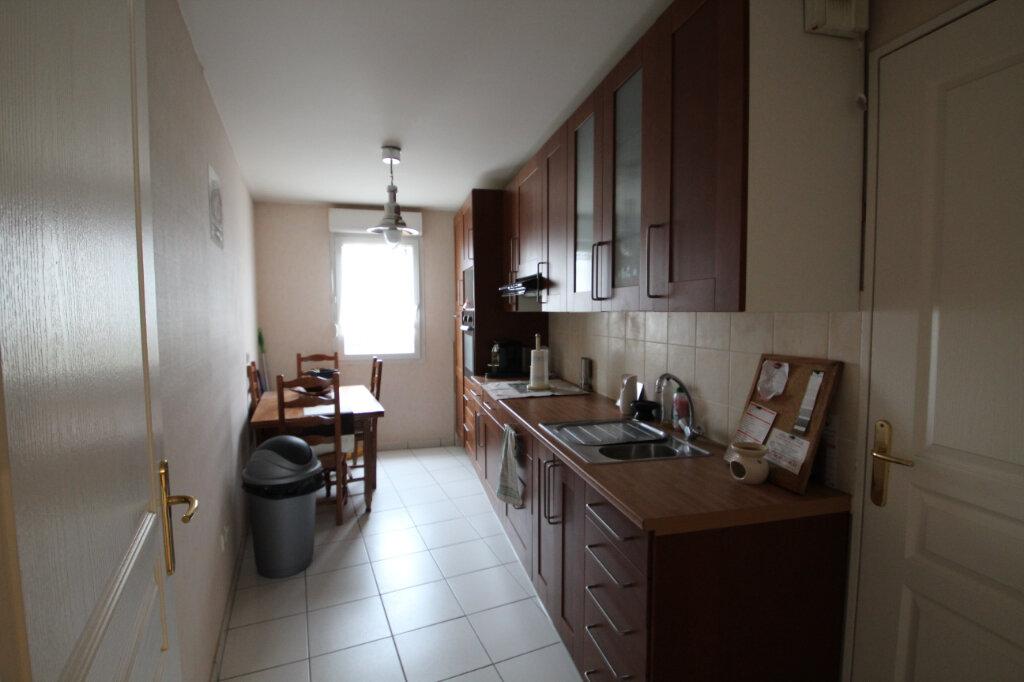 Appartement à vendre 3 66m2 à Le Plessis-Belleville vignette-3