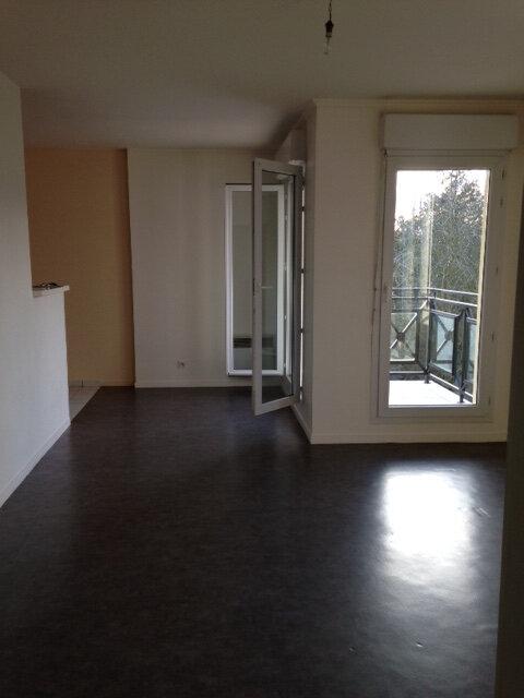 Appartement à louer 2 51.69m2 à Longperrier vignette-4