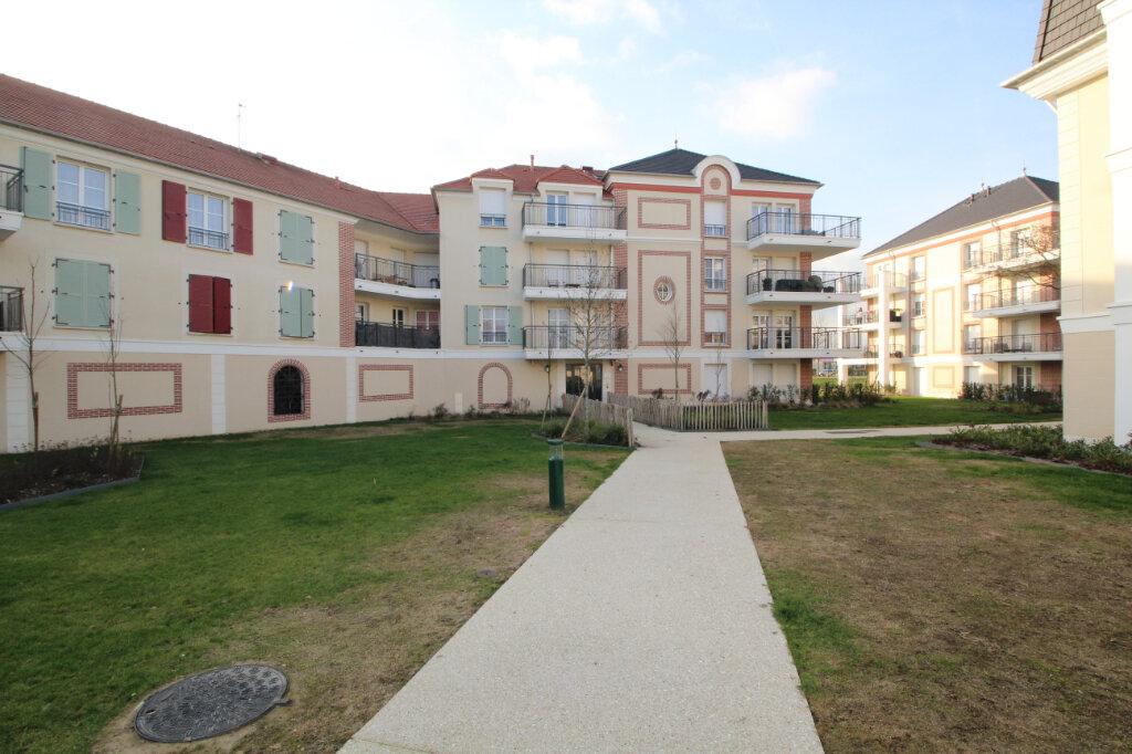 Appartement à vendre 2 41m2 à Le Plessis-Belleville vignette-1