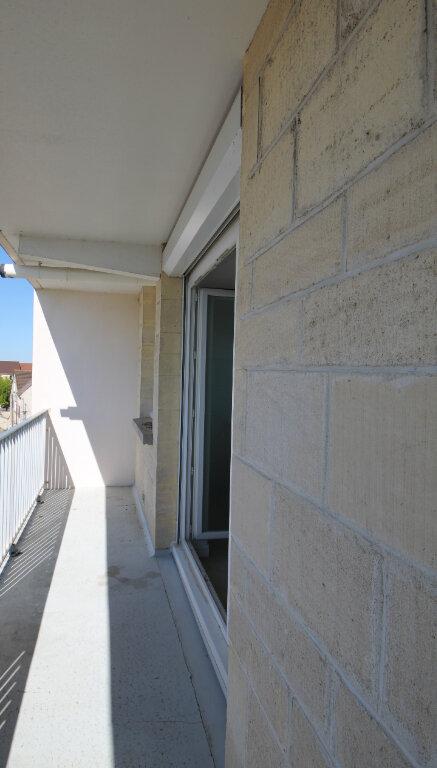 Appartement à vendre 1 28.6m2 à Le Plessis-Belleville vignette-4