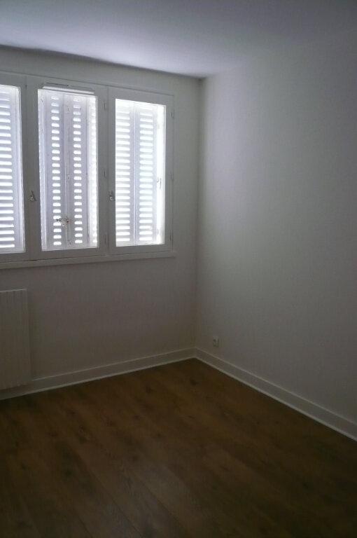 Appartement à louer 5 85.78m2 à Senlis vignette-3