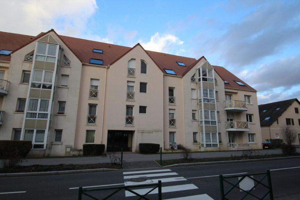 Appartement à vendre 1 32m2 à Le Plessis-Belleville vignette-1