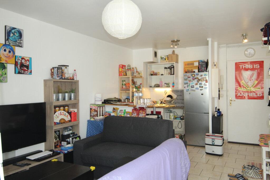 Appartement à vendre 1 32m2 à Le Plessis-Belleville vignette-3