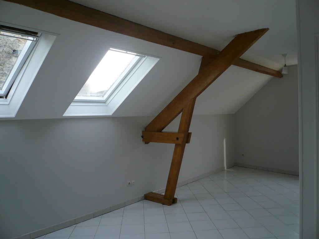 Appartement à louer 2 39.25m2 à Thiers-sur-Thève vignette-1