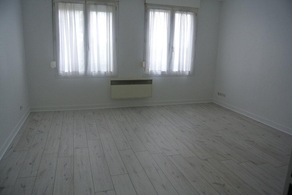 Appartement à louer 1 30.74m2 à Fleurines vignette-4