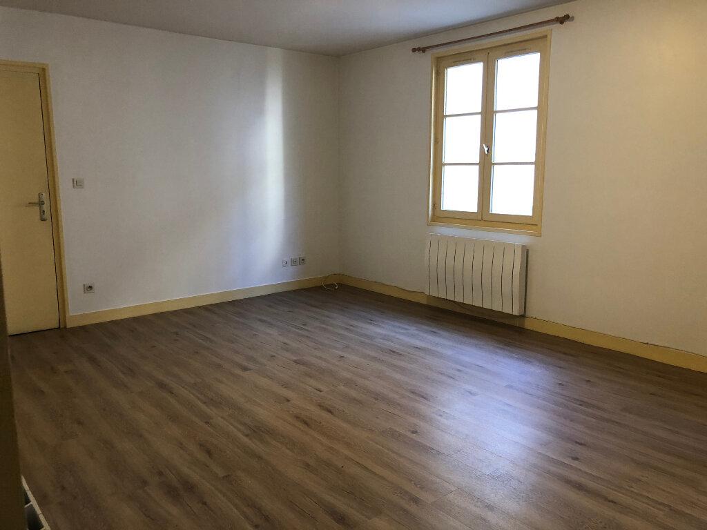 Appartement à louer 3 57.75m2 à Senlis vignette-1