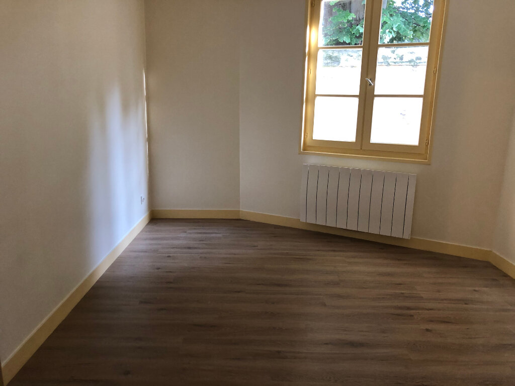 Appartement à louer 3 57.75m2 à Senlis vignette-4
