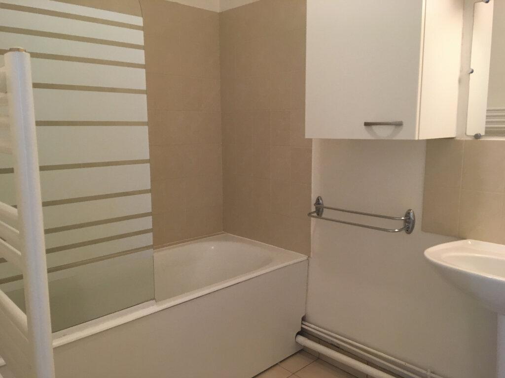 Appartement à louer 3 57.75m2 à Senlis vignette-5