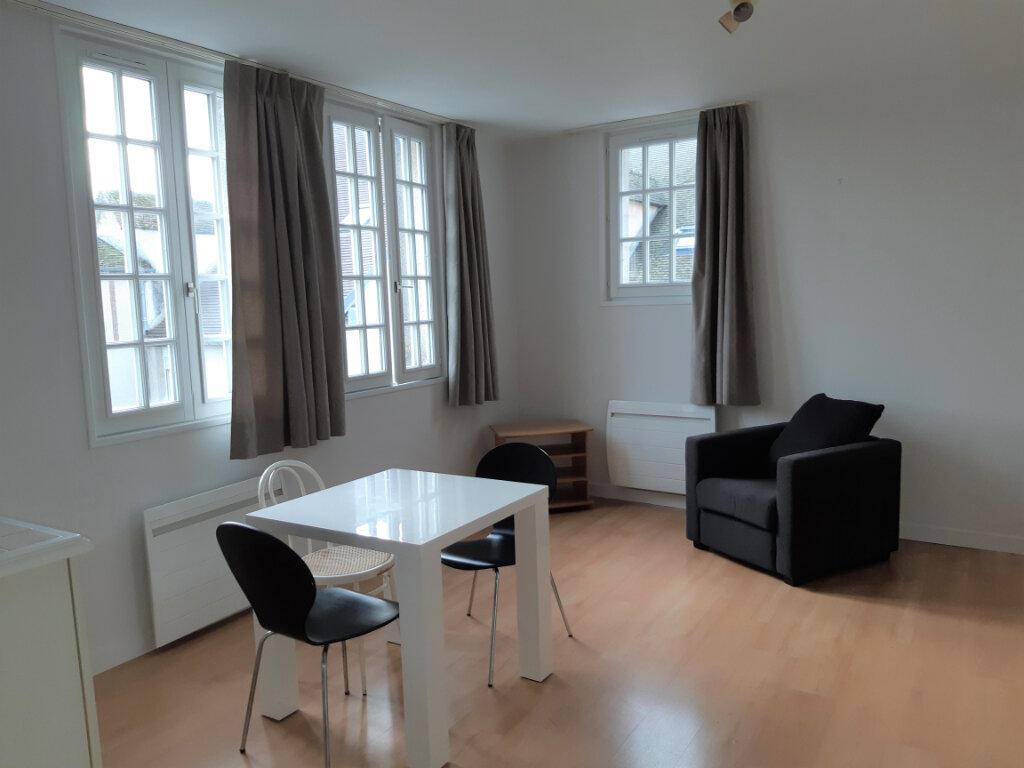 Appartement à louer 1 33.95m2 à Senlis vignette-1