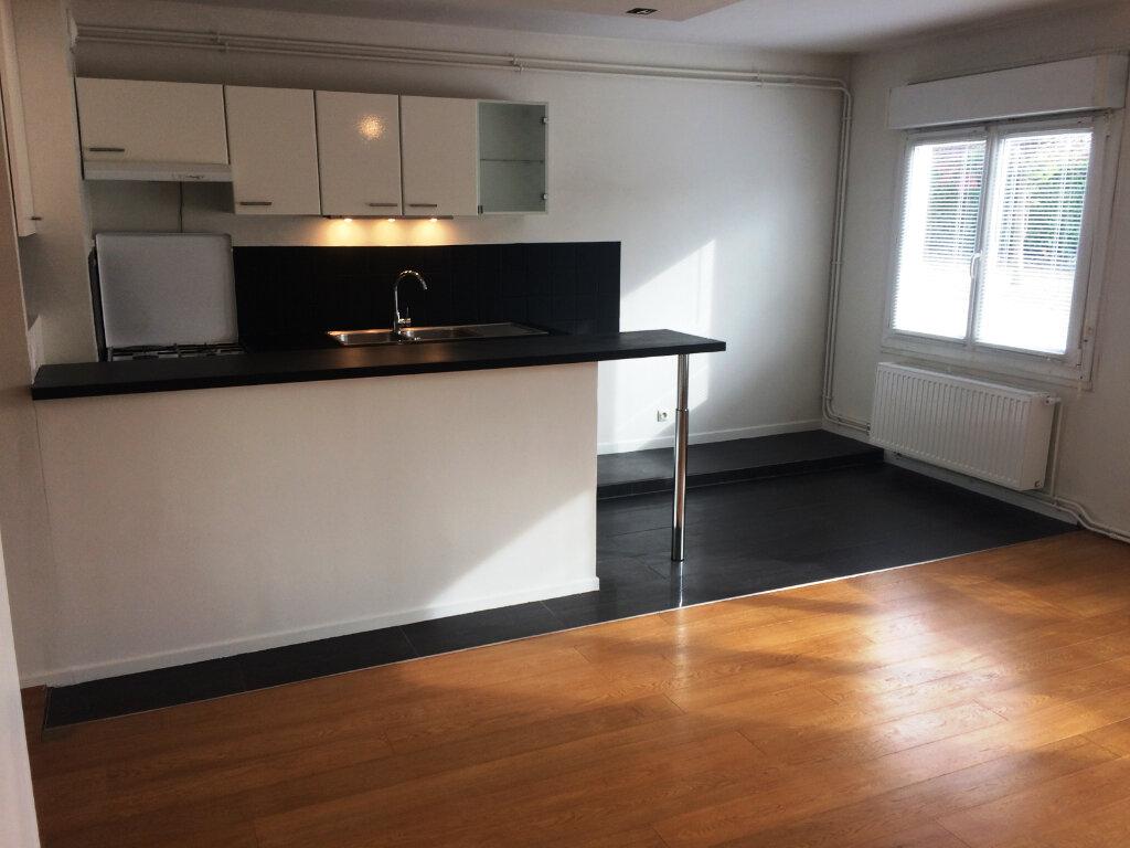 Appartement à louer 2 49.57m2 à Senlis vignette-1