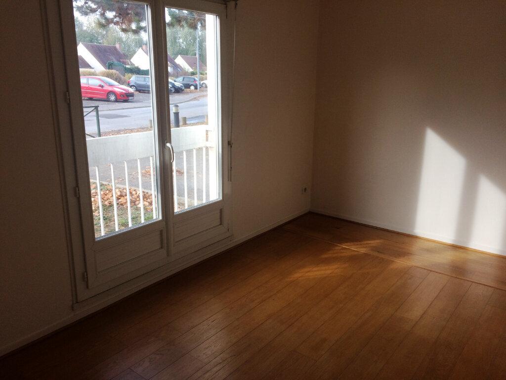 Appartement à louer 2 49.57m2 à Senlis vignette-2