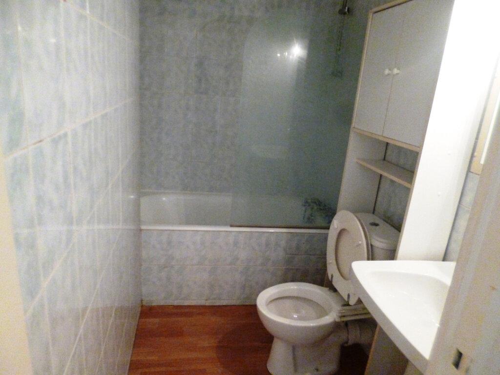Appartement à louer 1 28.3m2 à Senlis vignette-3