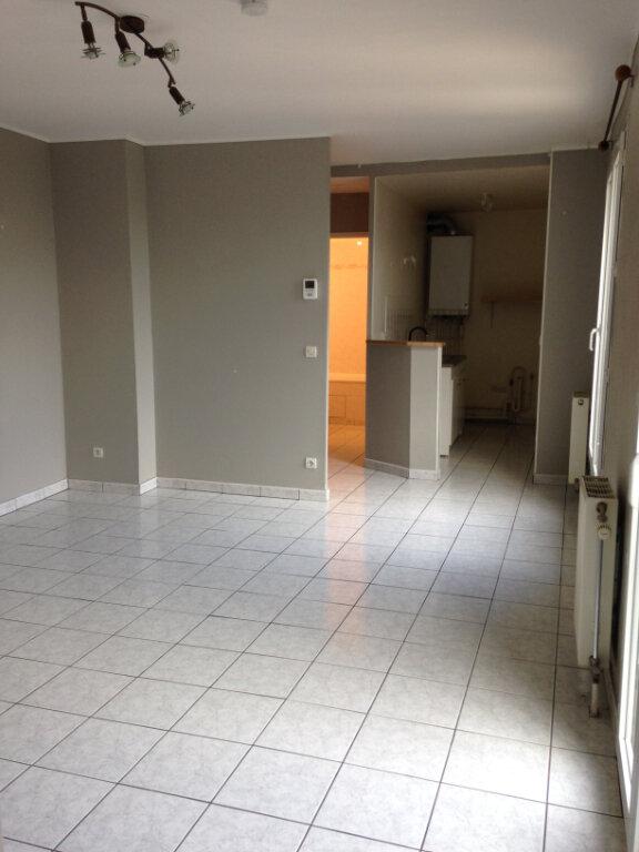 Appartement à louer 2 40m2 à Dammartin-en-Goële vignette-1