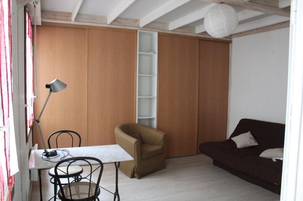 Appartement à louer 1 25.33m2 à Senlis vignette-1