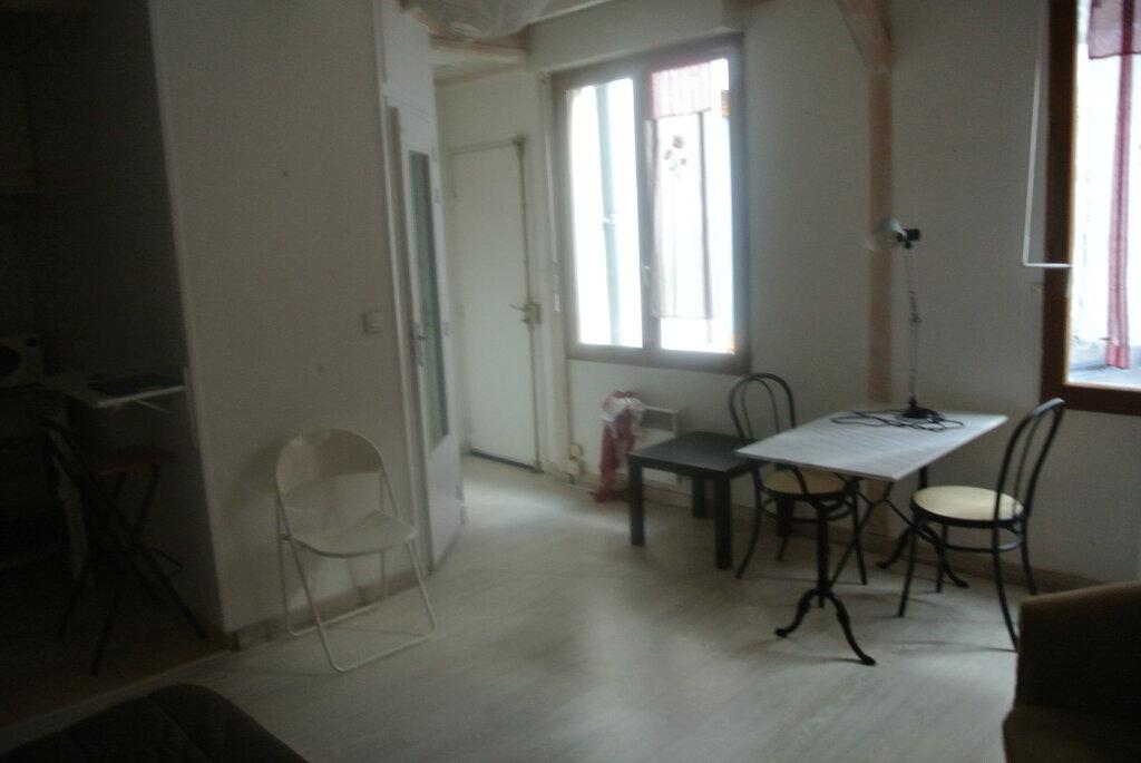 Appartement à louer 1 25.33m2 à Senlis vignette-2