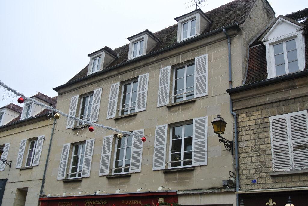 Appartement à louer 3 69.41m2 à Senlis vignette-1