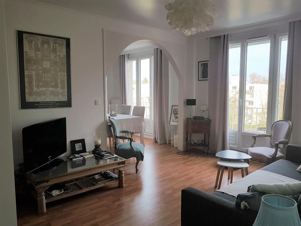 Appartement à louer 3 73.61m2 à Senlis vignette-1