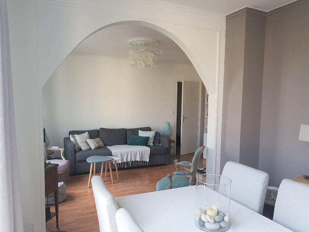 Appartement à louer 3 73.61m2 à Senlis vignette-2