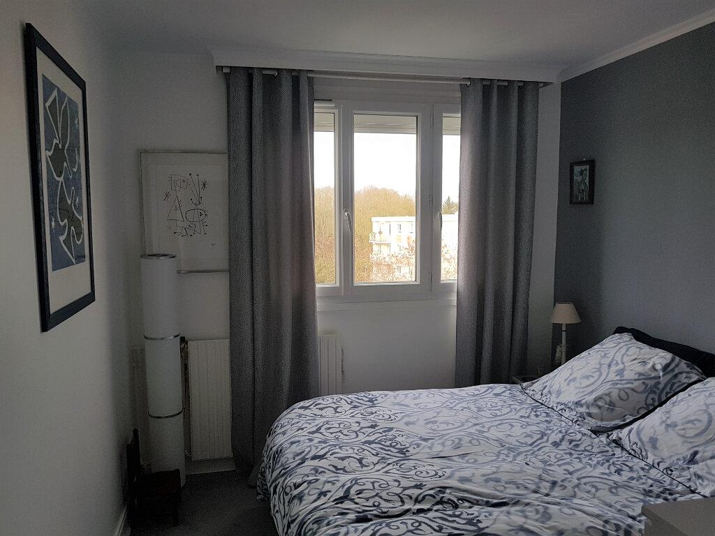 Appartement à louer 3 73.61m2 à Senlis vignette-3