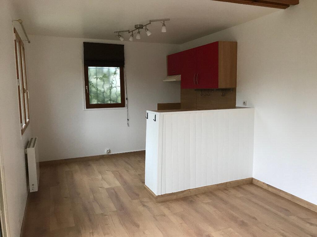 Appartement à louer 2 39.8m2 à Avilly-Saint-Léonard vignette-1