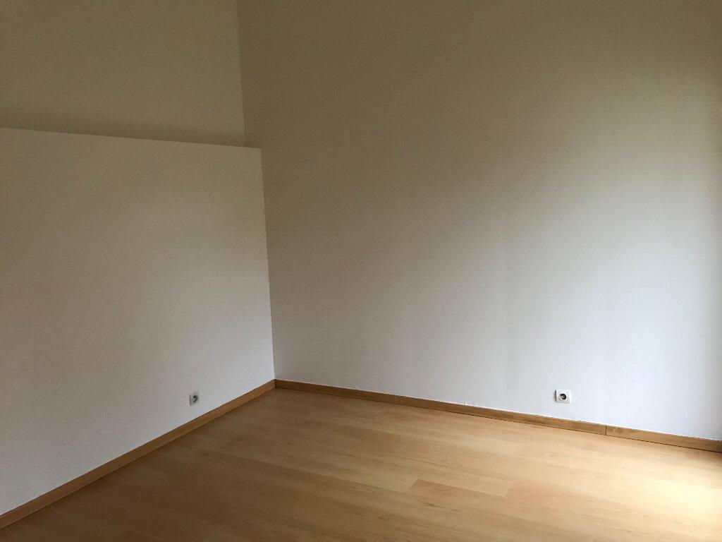 Appartement à louer 2 39.8m2 à Avilly-Saint-Léonard vignette-3