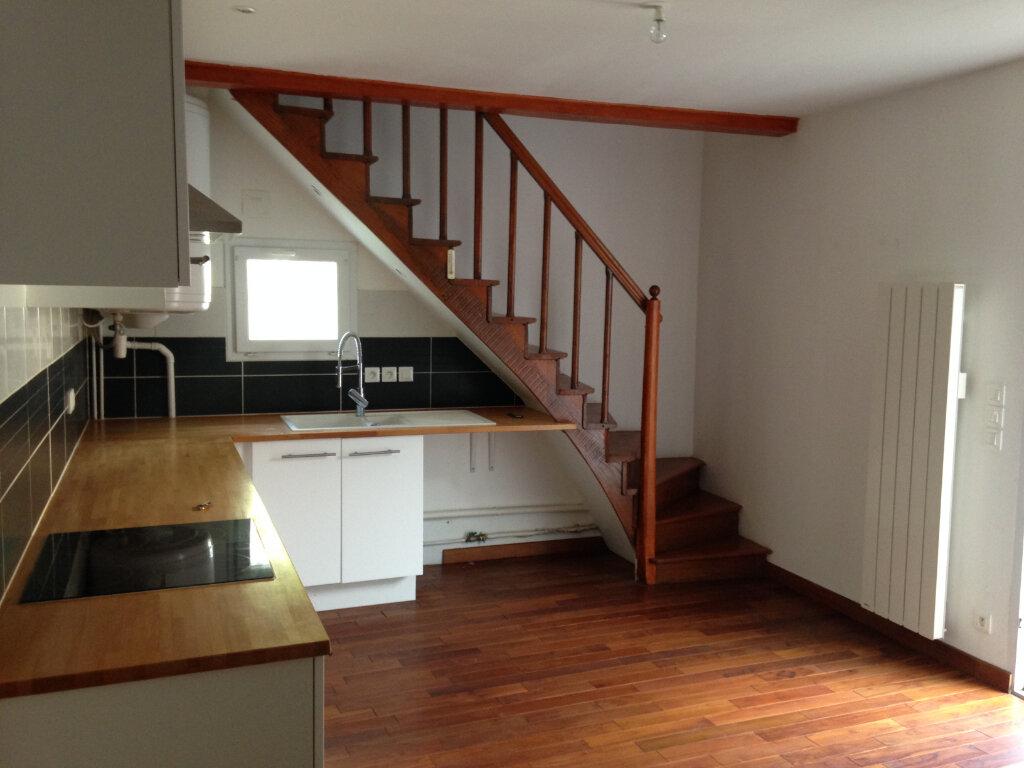 Maison à louer 2 35m2 à Le Plessis-Belleville vignette-2