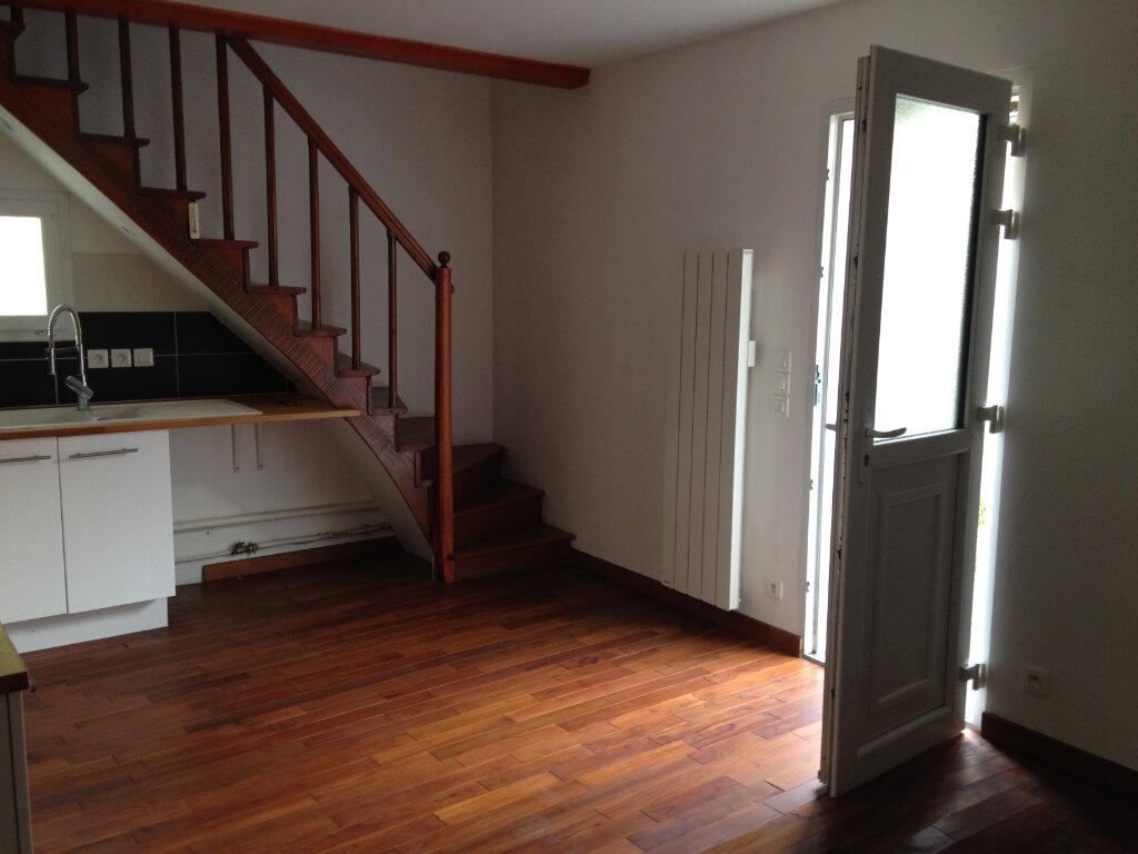 Maison à louer 2 35m2 à Le Plessis-Belleville vignette-5