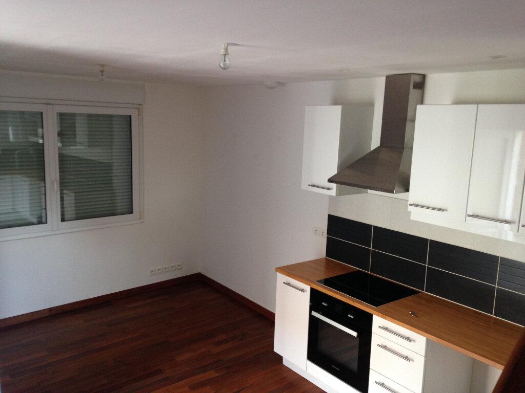 Maison à louer 2 35m2 à Le Plessis-Belleville vignette-7