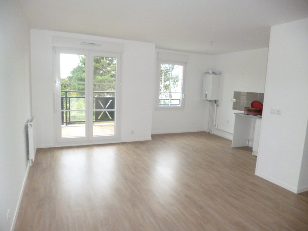 Appartement à louer 3 64.02m2 à Champagne-sur-Oise vignette-1