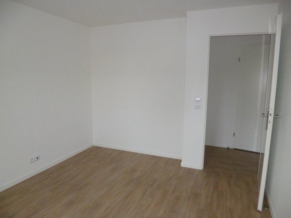Appartement à louer 3 64.02m2 à Champagne-sur-Oise vignette-2