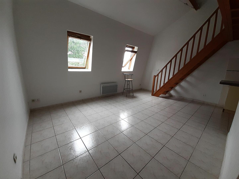 Appartement à louer 1 30.04m2 à Saint-Soupplets vignette-2