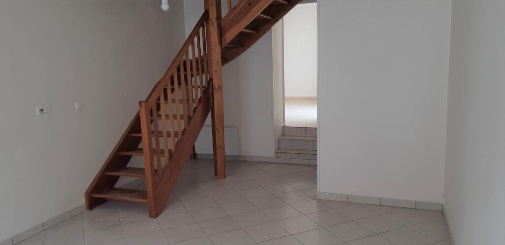 Maison à louer 4 62m2 à Barbery vignette-1