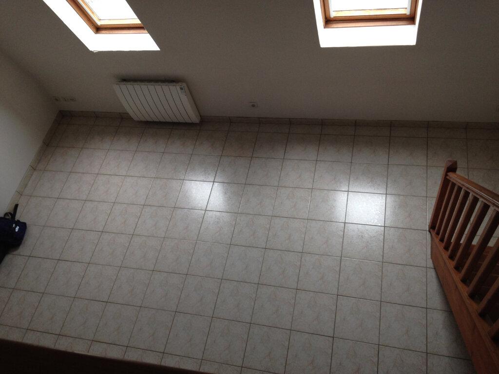 Appartement à louer 1 30m2 à Saint-Soupplets vignette-4