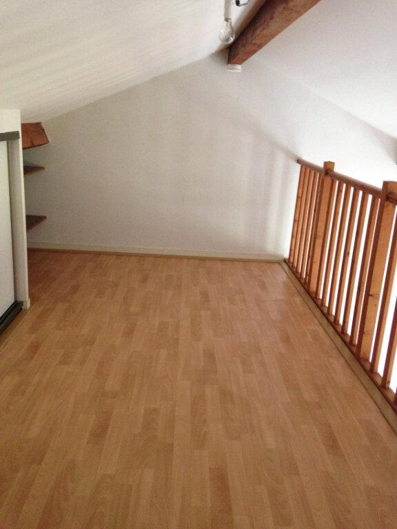 Appartement à louer 1 30m2 à Saint-Soupplets vignette-5