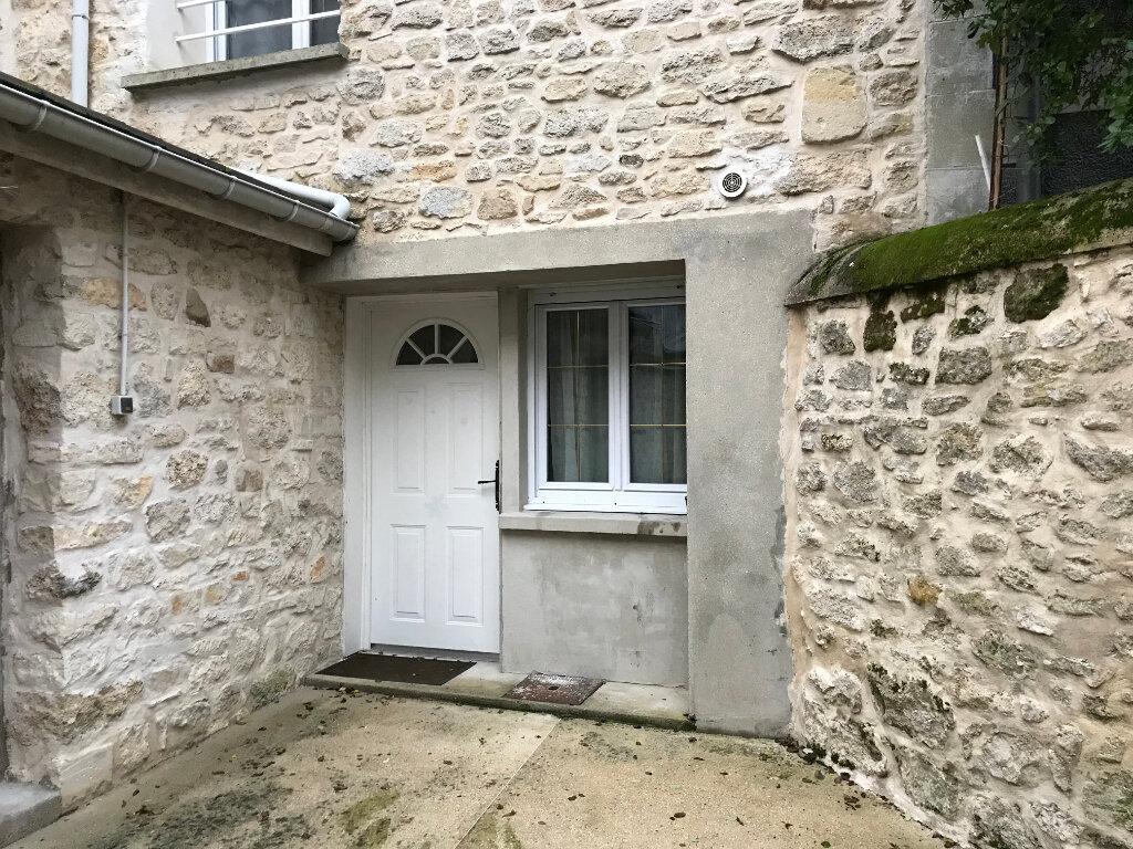 Maison à louer 2 33.05m2 à Mont-l'Évêque vignette-1