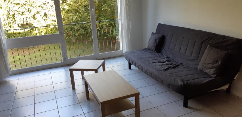 Appartement à louer 1 33.12m2 à Senlis vignette-1