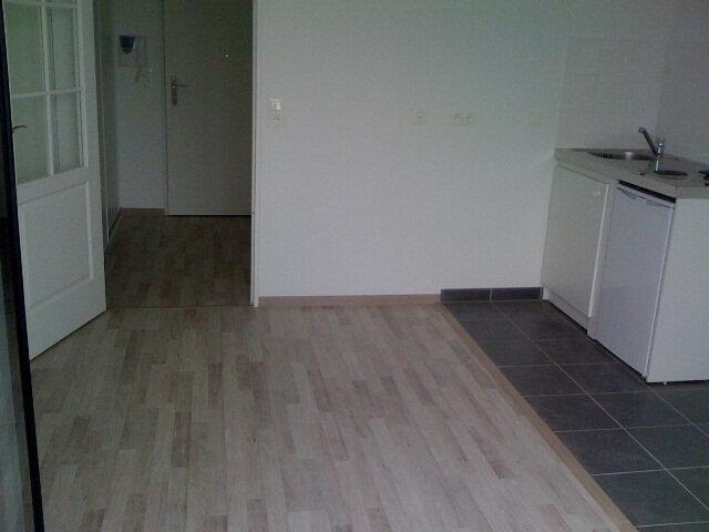 Appartement à louer 1 22.37m2 à Dammartin-en-Goële vignette-6