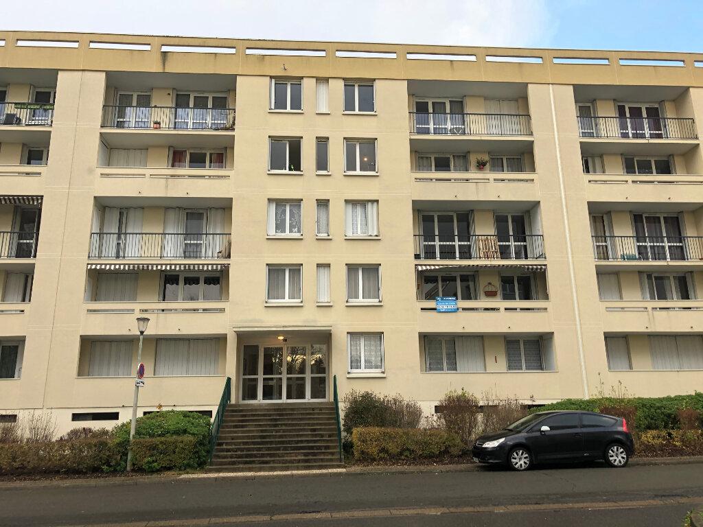 Appartement à louer 1 32.11m2 à Compiègne vignette-1