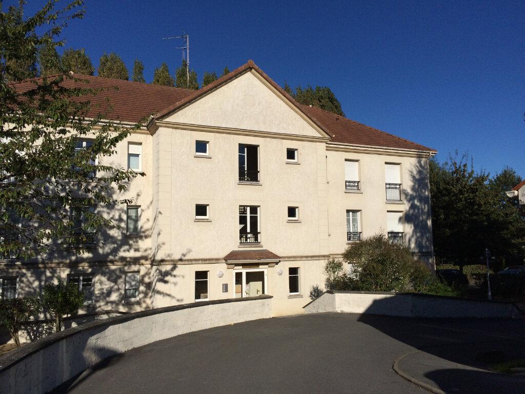 Appartement à louer 1 31.78m2 à Othis vignette-1