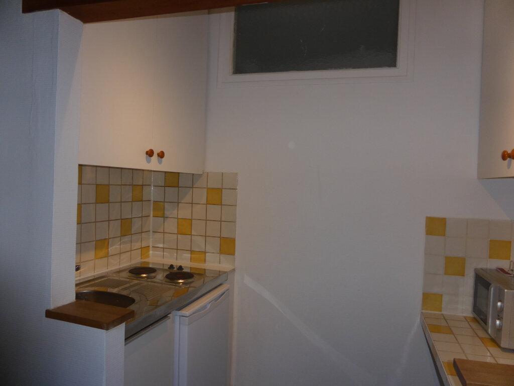Appartement à louer 1 22.1m2 à Senlis vignette-2
