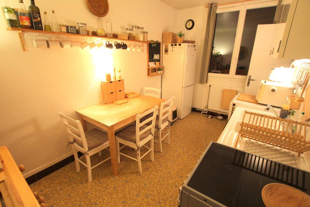 Appartement à louer 3 59.35m2 à Le Havre vignette-3